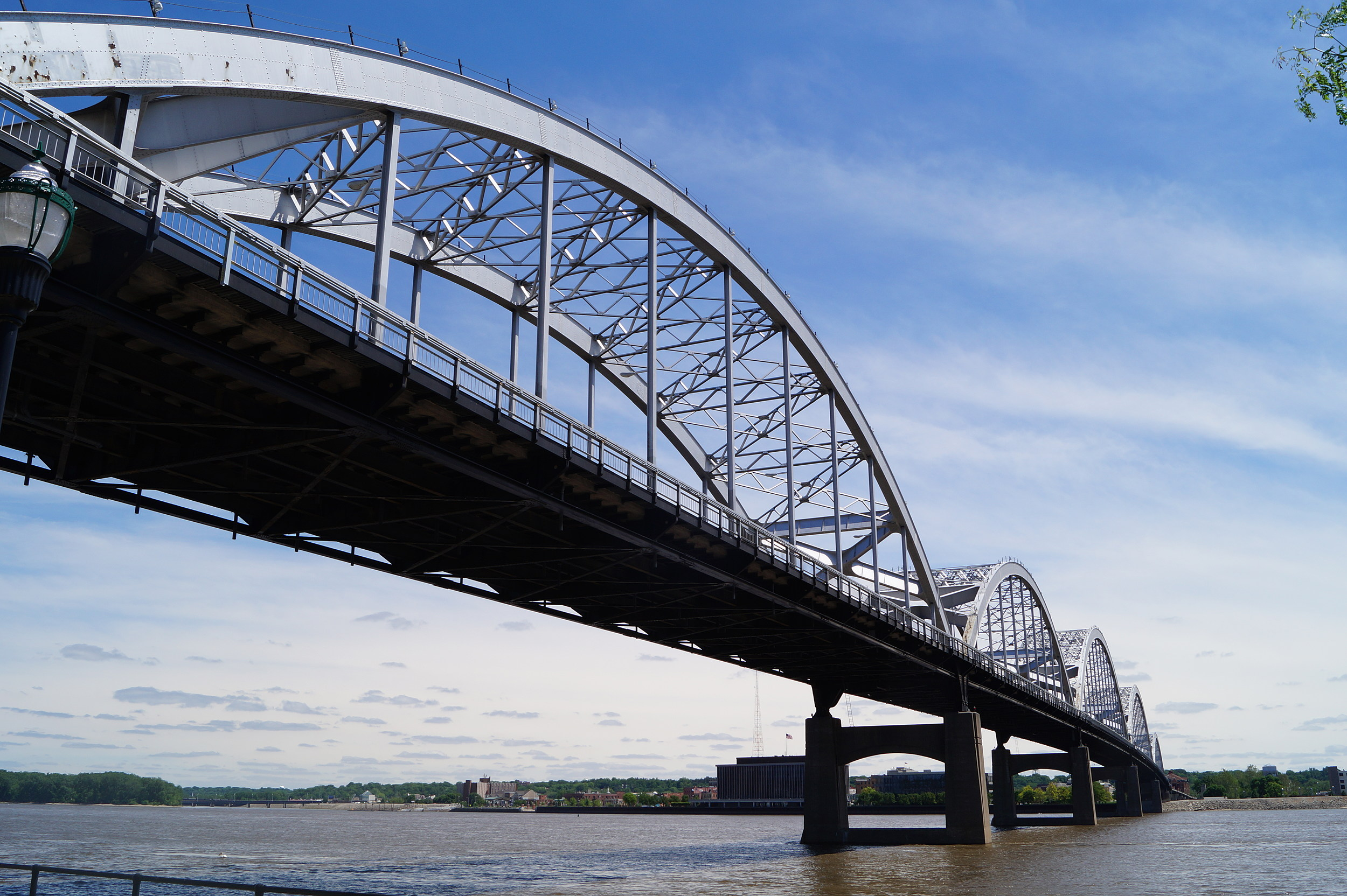 Cent-bridge