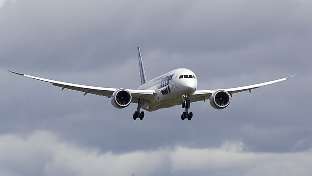 Boeing Conducts 787 Battery Certification Demonstration Flight